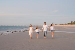 Family photography slider beach