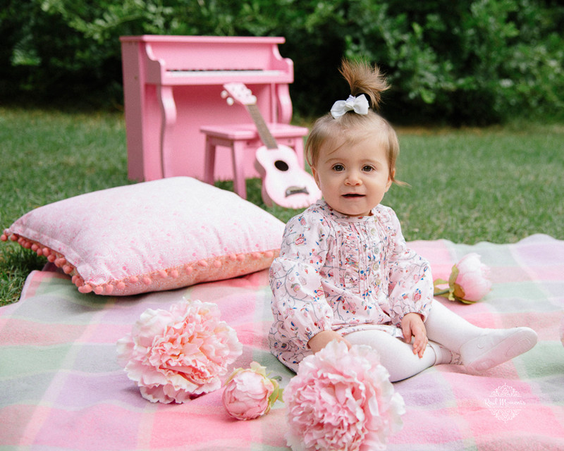 Adelaide family photography - portrait of a baby with pink flowers