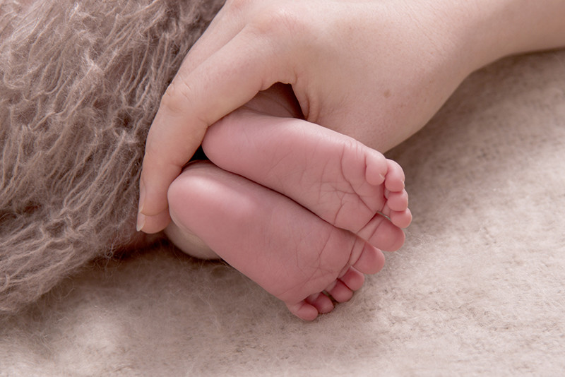 professional photographers Adelaide - a baby's feet