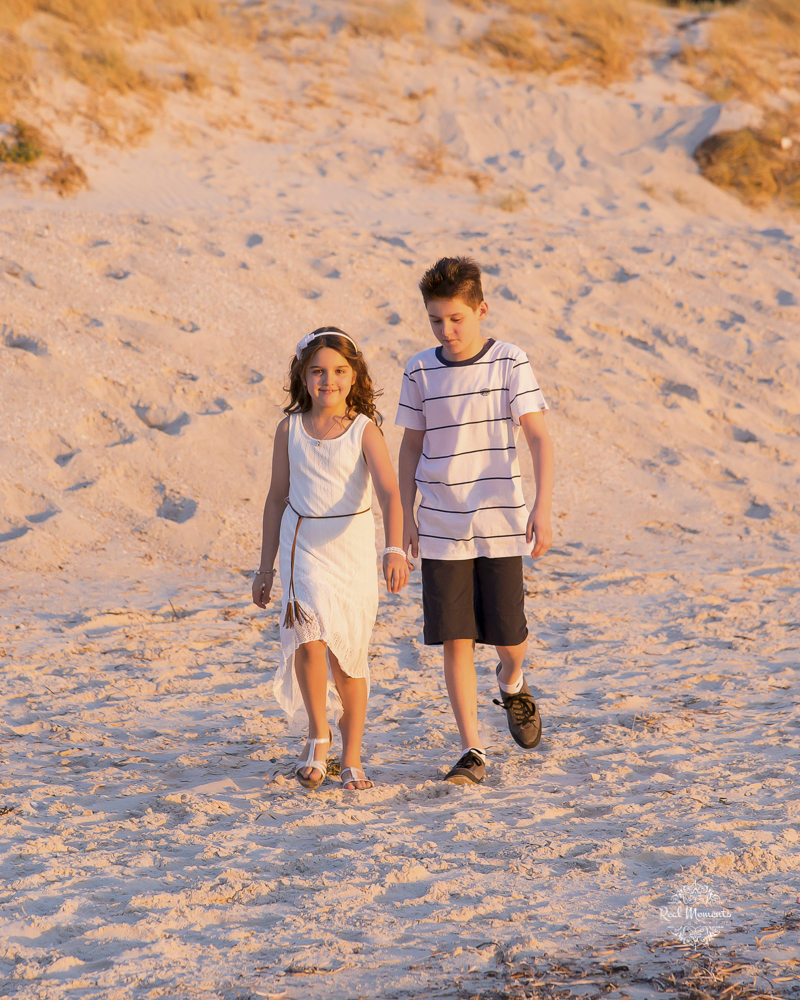 AIPP certified photography Adelaide - photo of 2 children walking on the beach