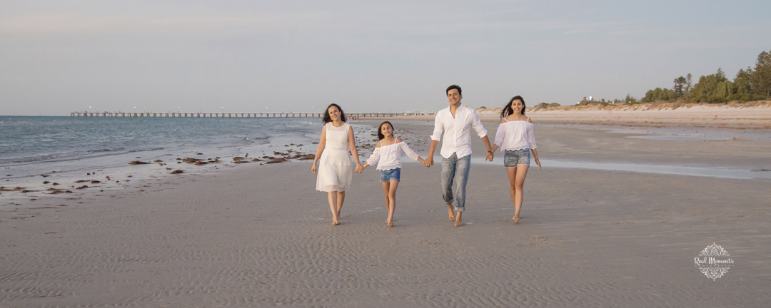 family portrait photography - at the beach