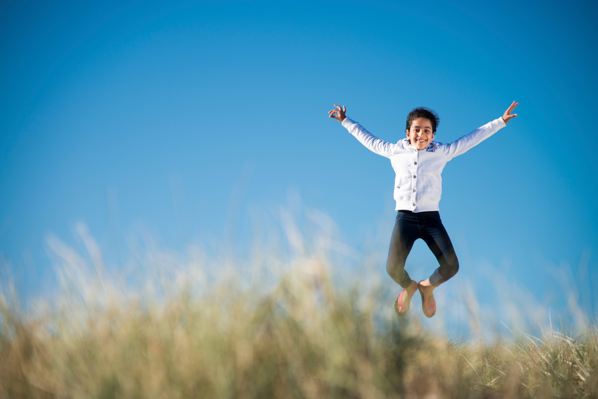 kid photography - jump for joy