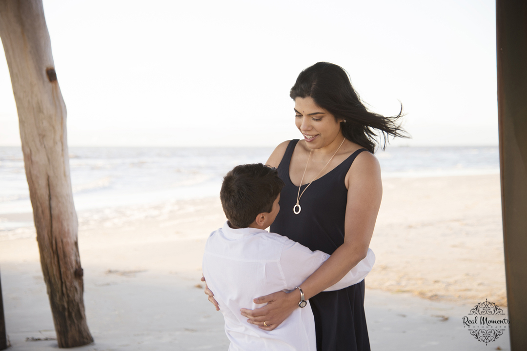 Adelaide portrait photography - A family photo of mom and son at the beach